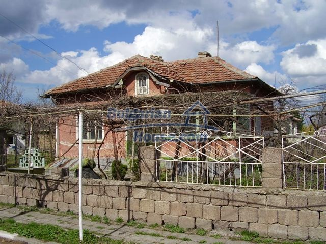 6002:1 - Invest in Bulgarian house in a rural countryside