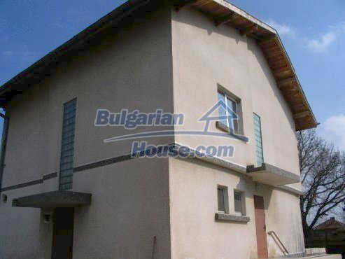 6008:1 - Two storey real estate with pool near Sofia for sale