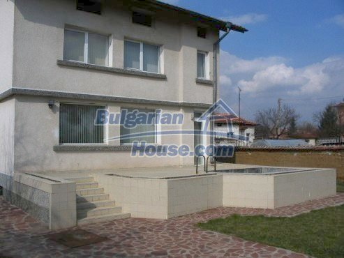 6008:3 - Two storey real estate with pool near Sofia for sale