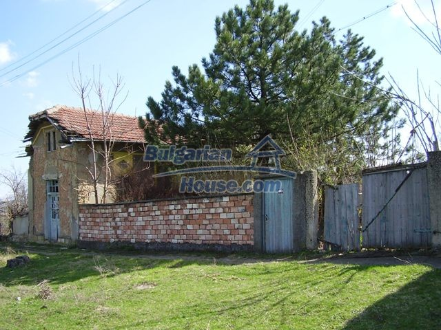 6017:1 - Rural Bulgarian house in Pleven region for sale