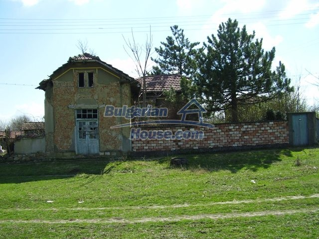 6017:2 - Rural Bulgarian house in Pleven region for sale