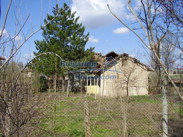 6017:5 - Rural Bulgarian house in Pleven region for sale