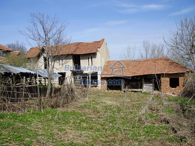 6083:5 - Invest in two storey bulgarian house near Pleven