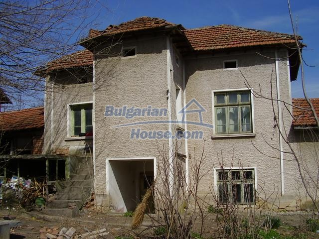 6083:7 - Invest in two storey bulgarian house near Pleven