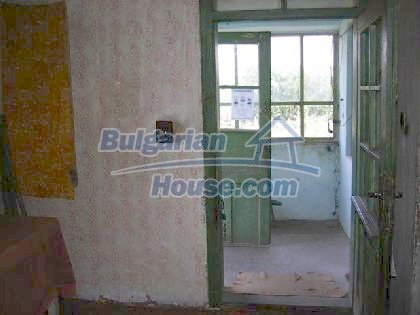 6116:3 - Invest in bulgarian house in rural countryside Montana region