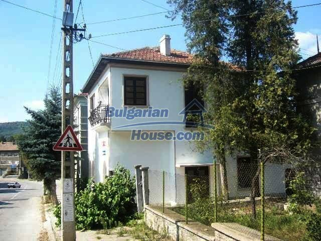 6192:1 - Property bulgarian house very close to the regional centre Velik