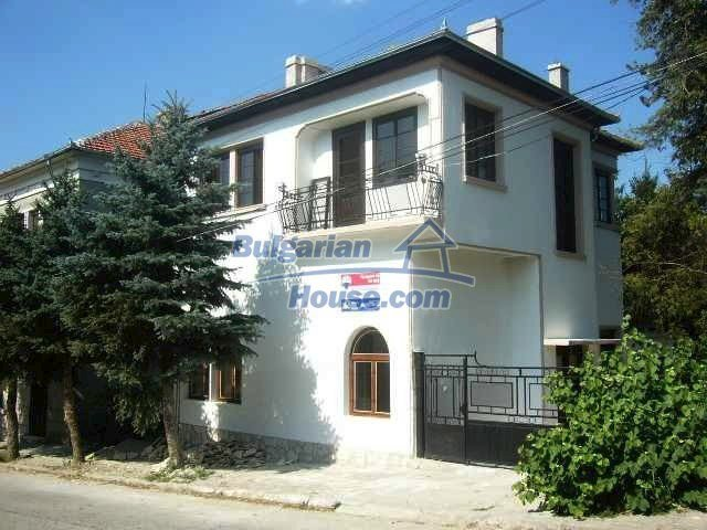 6192:2 - Property bulgarian house very close to the regional centre Velik