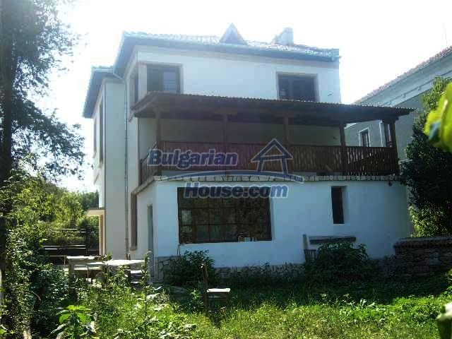 6192:3 - Property bulgarian house very close to the regional centre Velik
