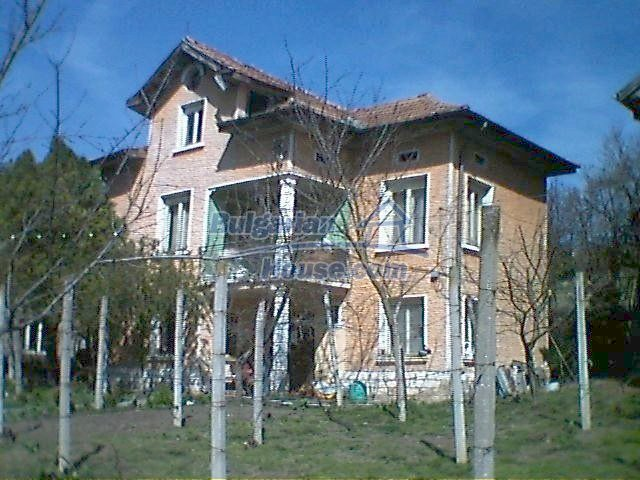6408:2 - Two big solid built bulgarian houses for sale