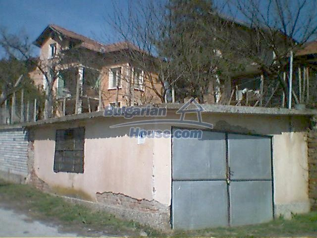 6408:3 - Two big solid built bulgarian houses for sale