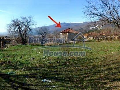 6543:2 - Big plot of bulgarian land in rural countryside