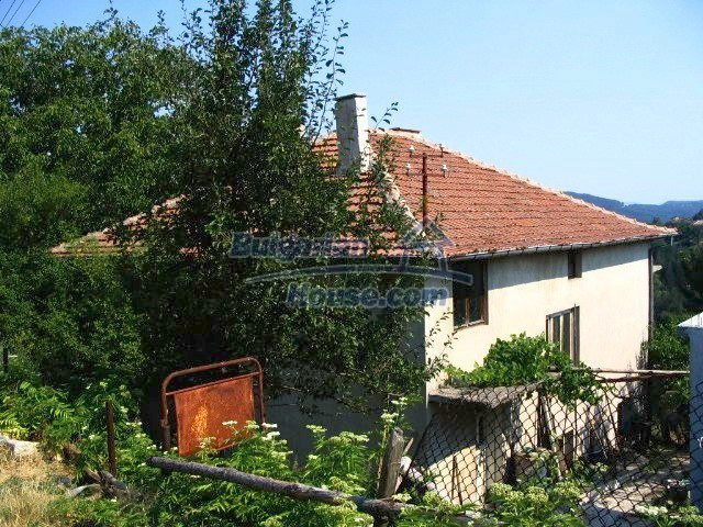 6564:3 - Bulgarian rural house in Kardzhali region