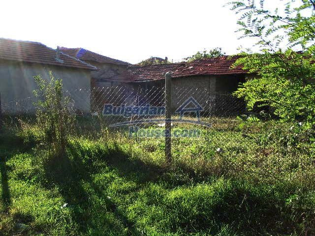 6723:4 - Two bulgarian houses for sale close to a river