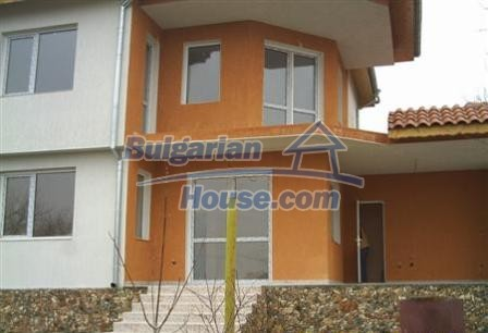 6882:2 - Sunny and bright two storey bulgarian house situated near the se