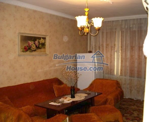 6891:1 - Cheap Apartment In A Nice Town In Yambol Region