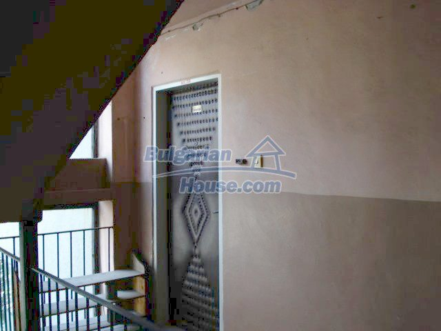 6891:7 - Cheap Apartment In A Nice Town In Yambol Region