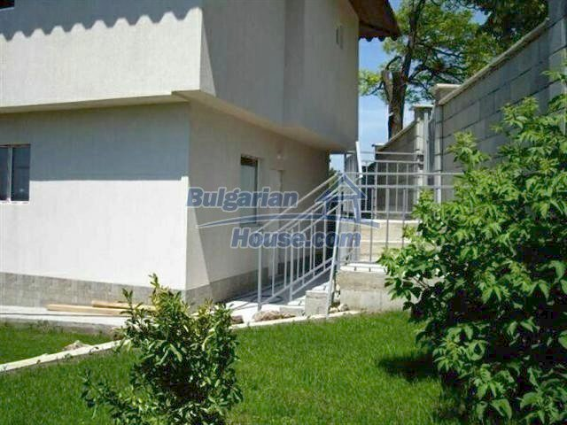 6918:3 - Cozy bulgarian house for sale near Albena