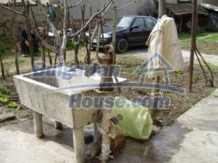 6930:11 - Bulgarian rural house located in region suitable for hunting and