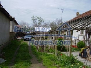 6930:4 - Bulgarian rural house located in region suitable for hunting and