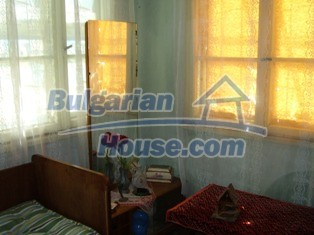 6930:6 - Bulgarian rural house located in region suitable for hunting and