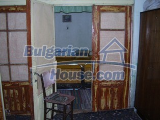6930:7 - Bulgarian rural house located in region suitable for hunting and
