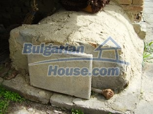 6930:10 - Bulgarian rural house located in region suitable for hunting and