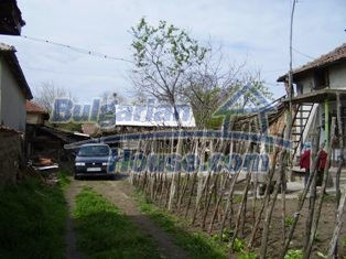 6930:12 - Bulgarian rural house located in region suitable for hunting and