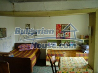 6930:14 - Bulgarian rural house located in region suitable for hunting and