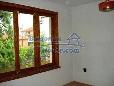 6975:10 - Property for sale situated in the outskirts of Yambol