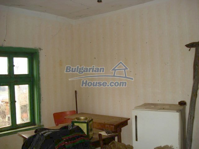 6987:3 - Good opportunity to live in Bulgarian property in rural countrys
