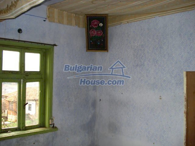 6987:5 - Good opportunity to live in Bulgarian property in rural countrys