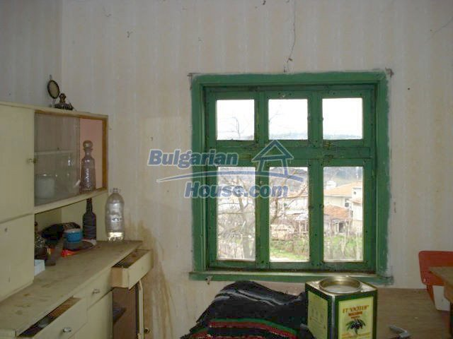 6987:7 - Good opportunity to live in Bulgarian property in rural countrys