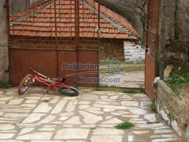 6987:9 - Good opportunity to live in Bulgarian property in rural countrys