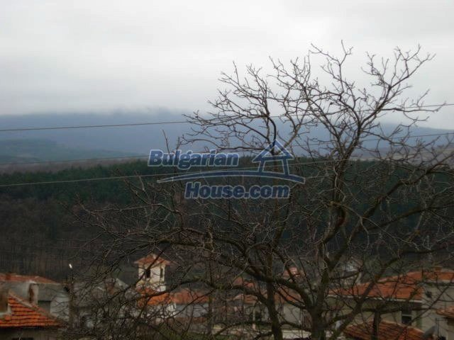 6987:12 - Good opportunity to live in Bulgarian property in rural countrys