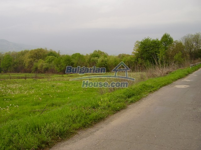 7035:4 - Large plot of bulgarian land close to a dam for sale
