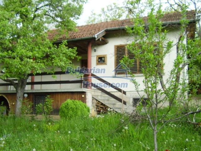 7038:1 - Nice bulgarian house for sale in Lovech regeon