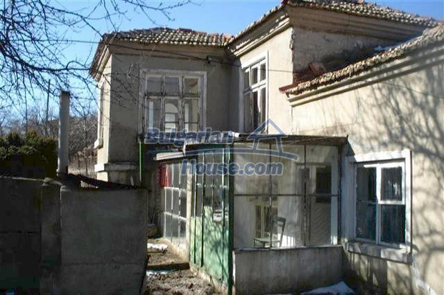 7089:1 - House for sale 12 km away from the sea in Varna region