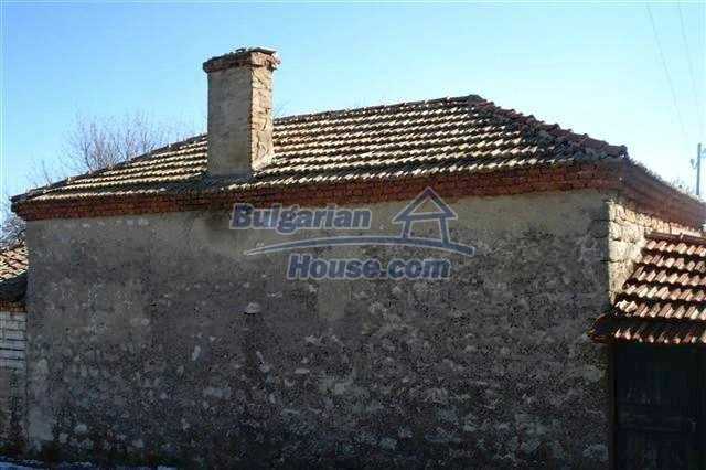 7089:5 - House for sale 12 km away from the sea in Varna region