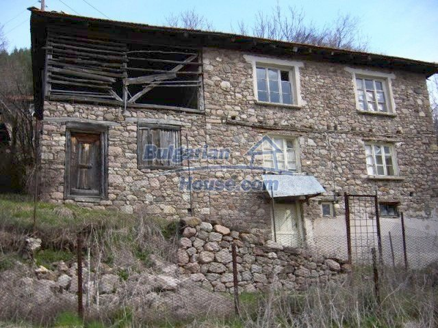 7125:1 - Bulgarian rural house in Smolyan region