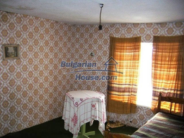 7125:6 - Bulgarian rural house in Smolyan region