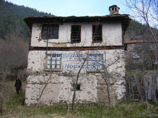 7134:2 - Bulgarian old house in beautiful mountain village