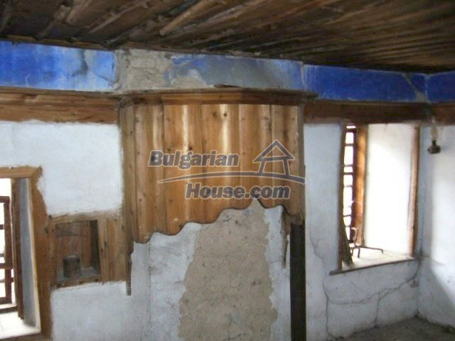 7134:5 - Bulgarian old house in beautiful mountain village