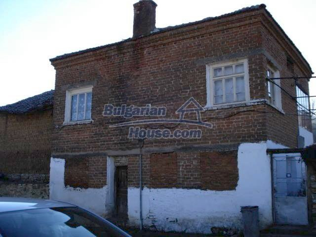 7185:1 - One storey brick built bulgarian house in Elhovo region