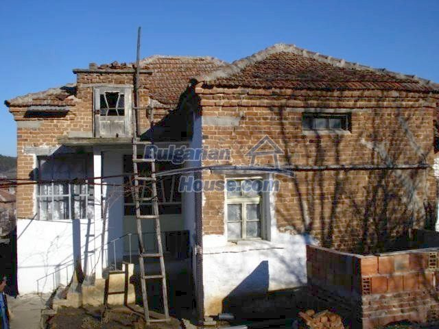 7185:2 - One storey brick built bulgarian house in Elhovo region