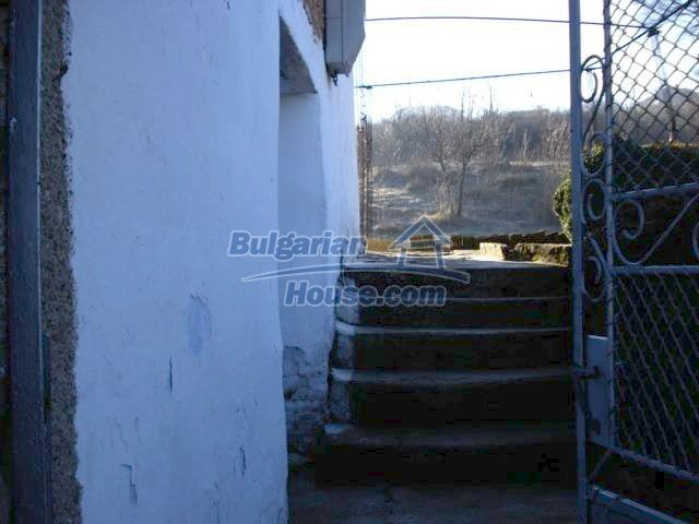 7185:3 - One storey brick built bulgarian house in Elhovo region