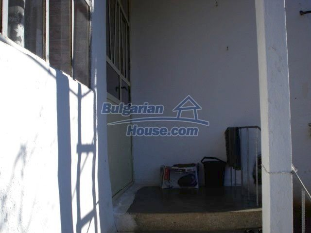 7185:4 - One storey brick built bulgarian house in Elhovo region