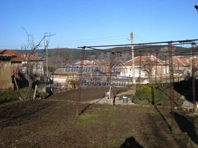 7185:12 - One storey brick built bulgarian house in Elhovo region