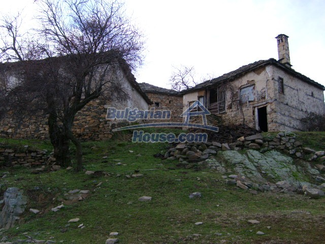 7188:1 - Stone bulgarian houses for sale in Kardjali region
