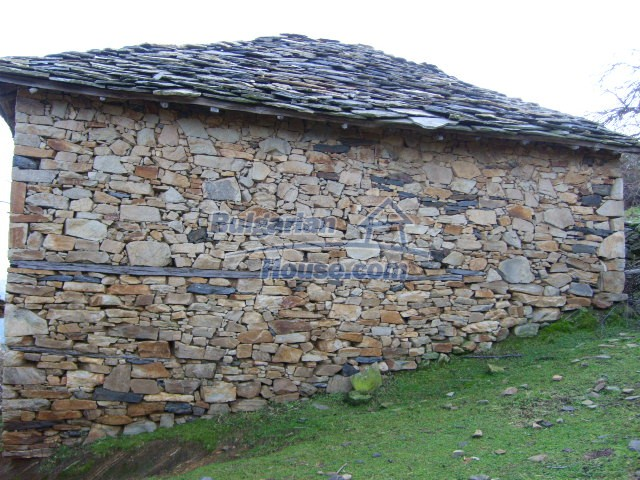 7188:2 - Stone bulgarian houses for sale in Kardjali region