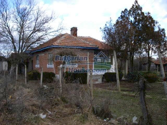 7209:3 - Cozy one storey brick built up bulgarian house in a hour driving